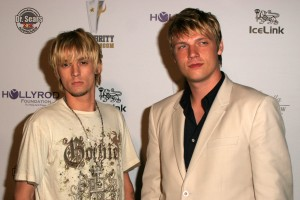 """LOS ANGELES - JULY 11: Aaron Carter and Nick Carter at """"An All Star Night At The Mansion"""" charity event at Playboy Mansion on July 11, 2006 in Holmby Hills, Los Angeles, CA."""